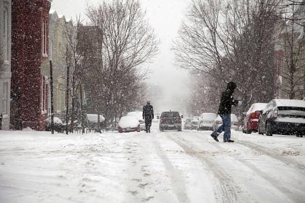 Snow storm in city