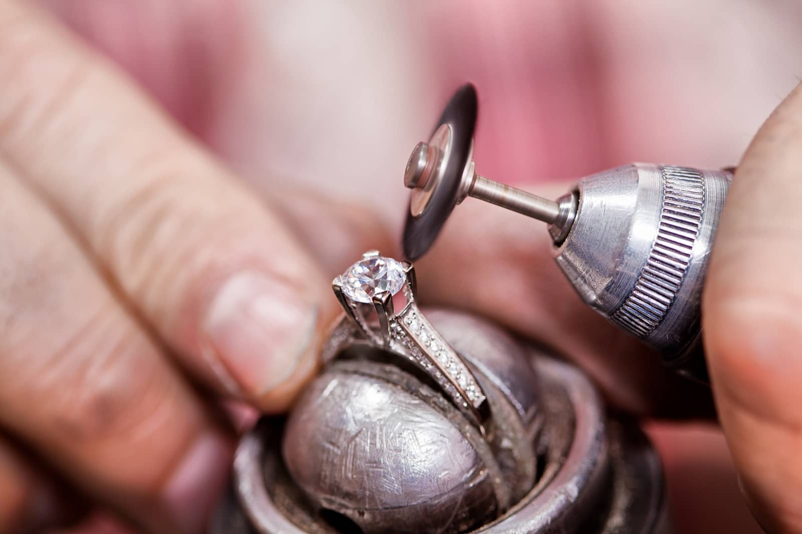 Repairing diamond ring
