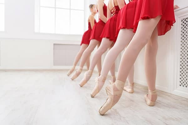 Ballerinas in red